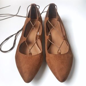 Shoes - Brown lace-up flats